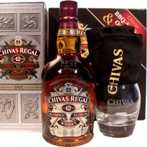 Chivas+Regal+Whisky+12+Jahre+Geschenkset+mit+Glas+und+Barsch%FCrze - Chivas Regal 12 years with 700 ml. capacity and 40 % volume as a giftset from Scotland.  The Chivas Regal 12 years has a superb quality and a beautiful amber color.  Tasting notes of the Chivas Regal ...