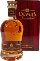 Dewars Signature Blended Scotch Whisky - Dewar\'s Signature Blended Scotch Whisky with 0,7l and 40% Vol.  Blended from up to 41 year old Whisky. A gem of a blend. Dewars Luxury Edition.  Here some Tastingnotes:  Nose: Fruity and mild, balanc...
