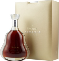 Hennessy+Paradis+Extra+Rare+Cognac+%2F+Doppeltes+Gold+2008 - Hennessy Paradis Extra Rare Cognac with 700ml. and 40 % volume.   Der Hennessy Paradis Extra Rare Cognac is a composition of severel hundretd eaux de vie. It`s sent to our customers in an extrem beaut...