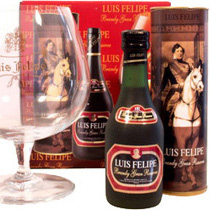 Luis Felipe Gran Reserva Brandy Miniature Bottle 0,05l incl. Glass - Luis Felipe Gran Reserva Brandy with 0,05 liter and 40% volume in the Miniature Bottle incl. Glass   Luis Felipe is a high-end Product form Spain.  A Gran Reserve Brandy from Andalusia    Here some Ta...