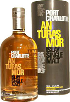 Port+Charlotte+An+Turas+Mor - Port Charlotte An Turas Mor with 700 ml. and 46 % Vol. The peaty smokiness together with the vanilla sweetness from the Bourbon casks is truly magical.  This is followed by a real spicy black pepper a...