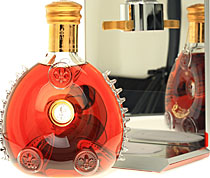 Remy+Martin+Louis+Xiii+Cognac - Remy Martin Louis XIII 40 % with 700 ml. and 40% Vol.  It`s the Top product and it`s filled up in a baccara bottle.