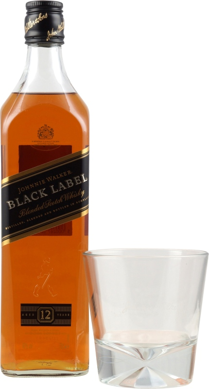 johnnie walker black label mit glas und eisw rfelform hier. Black Bedroom Furniture Sets. Home Design Ideas